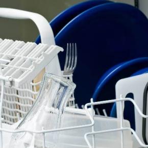 4 étapes pour nettoyer votre lave-vaisselle