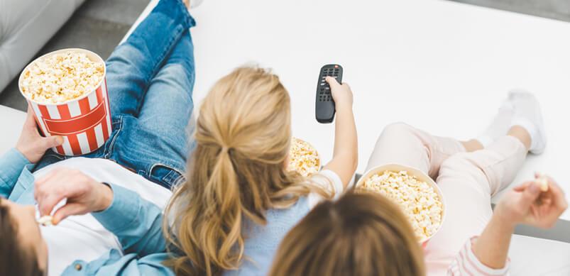 9 activités pour divertir les enfants le week-end de Pâques - Voir un film en famille